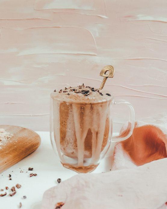 Mosazná lžička duha ruční výroba smoothie milkshake sklenice