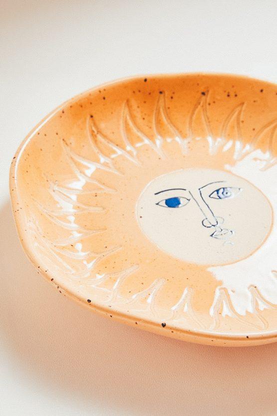 Kameninový keramický talíř slunce