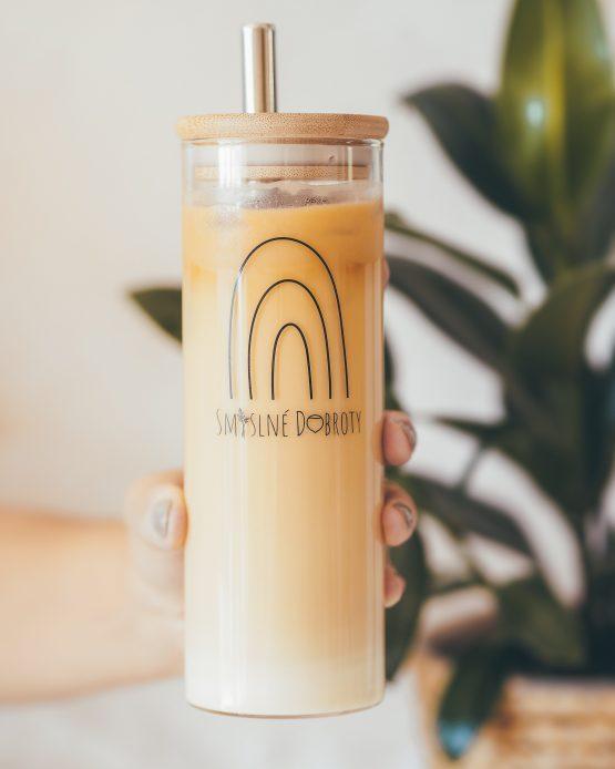 Tumbler sklenice pohár na pití smoothie s nerezovým brčkem vyrobeno v ČR káva mléko