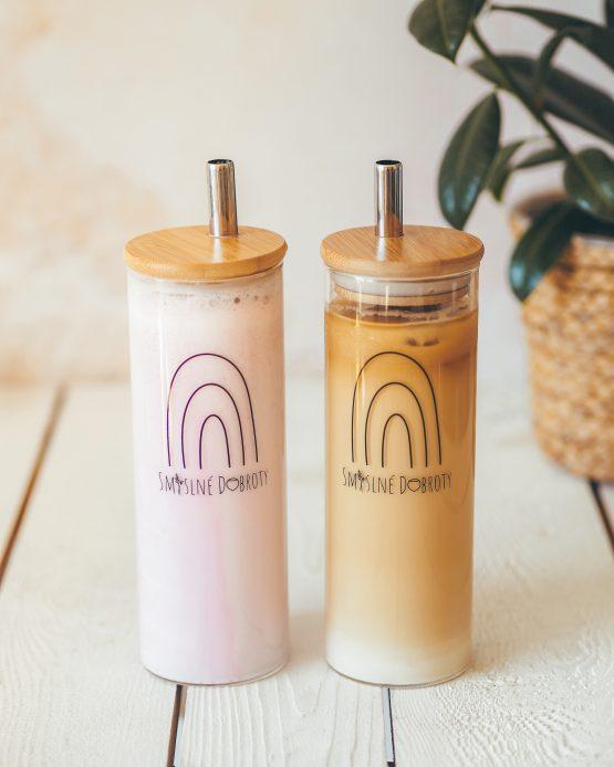 Tumbler sklenice na smoothie s nerezovým brčkem vyrobeno v ČR jahoda banán káva mléko